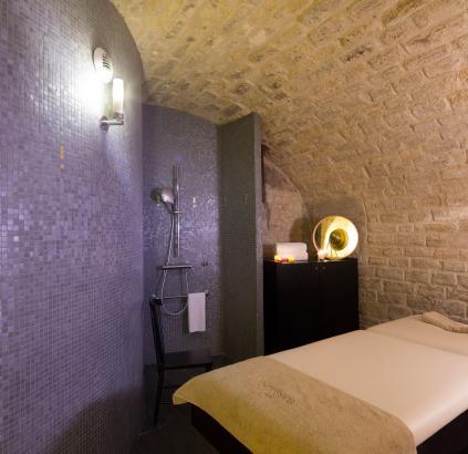 Hôtel du Triangle d'Or - Massage