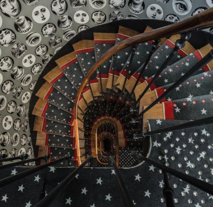 Hôtel Triangle d'Or - Escalier